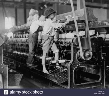 child-labour-in-a-cotton-mill-in-macon-georgia-in-1909-DDNPYC
